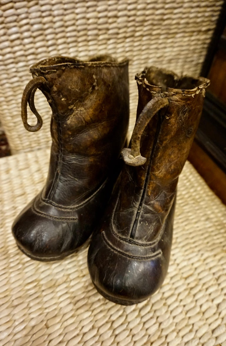 Qing 18th Century Asian Voyager's Leather Snow Boots with Metal Studs Objet d'art For Sale