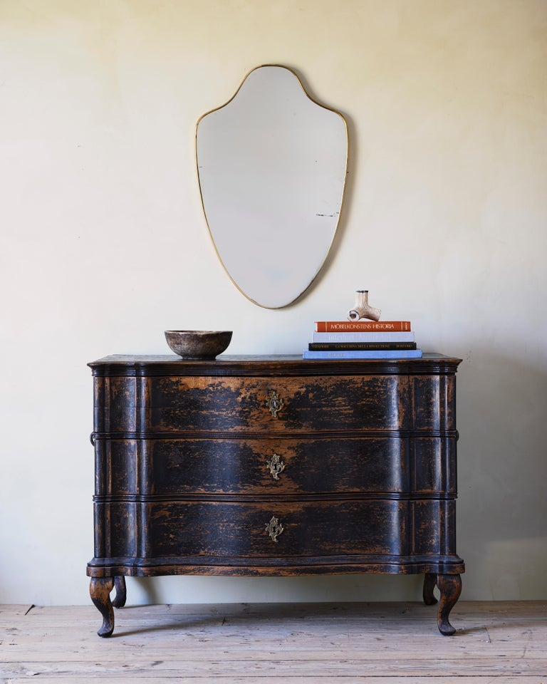 Exceptional 18th century Baroque period commode in a fantastic finish, Denmark ca 1730.  Unusually large and rare to find with three drawers.