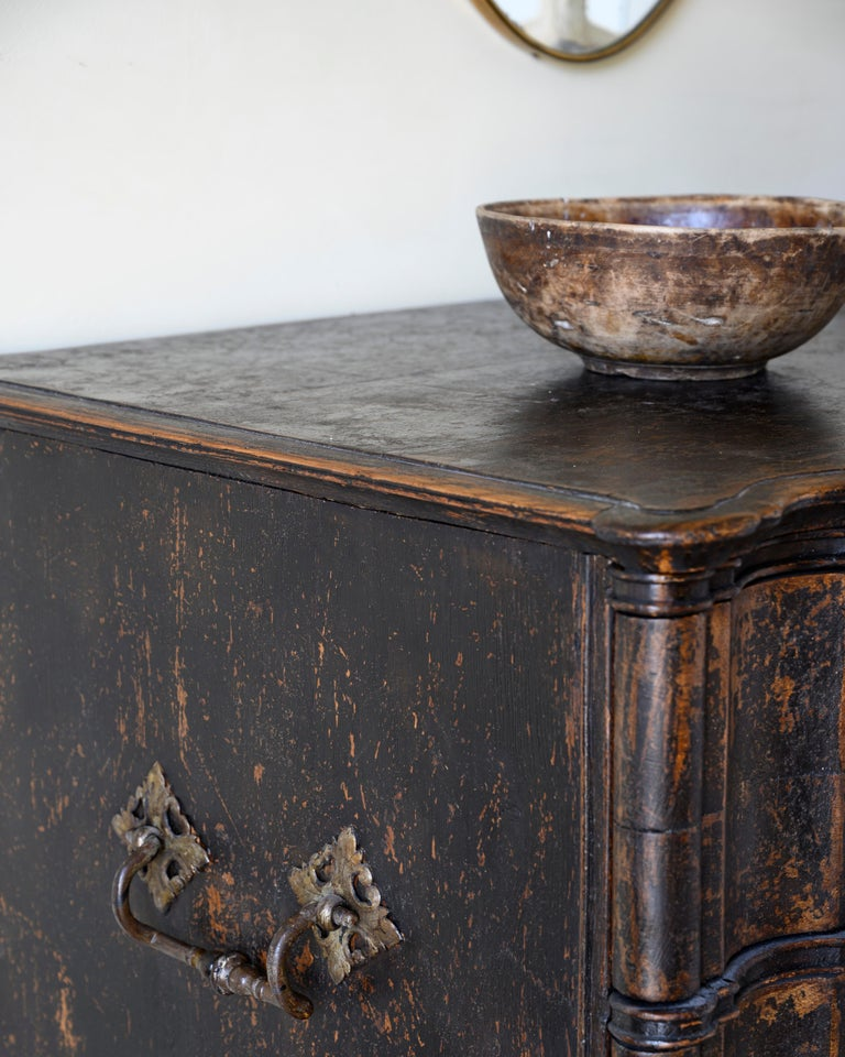 Hand-Crafted 18th Century Baroque Commode For Sale