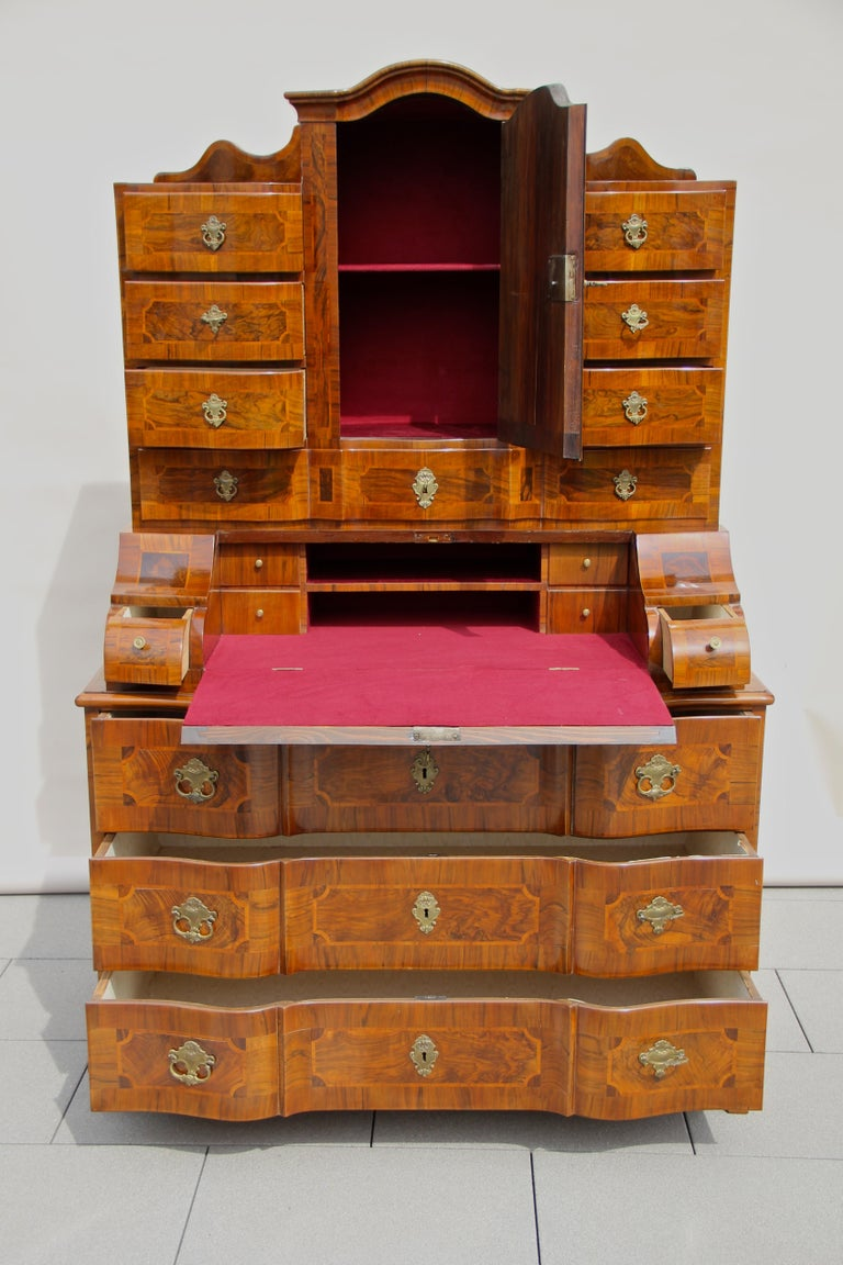18th Century Baroque Secrétaire, Austria, circa 1770 For Sale 1