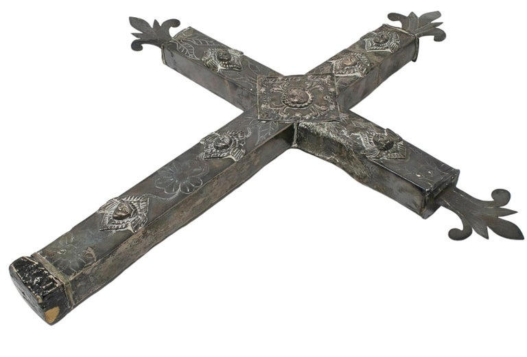 18th Century Bolivian Silver Cross For Sale 6