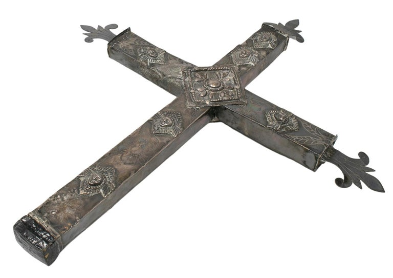 18th Century Bolivian Silver Cross In Good Condition For Sale In Malaga, ES
