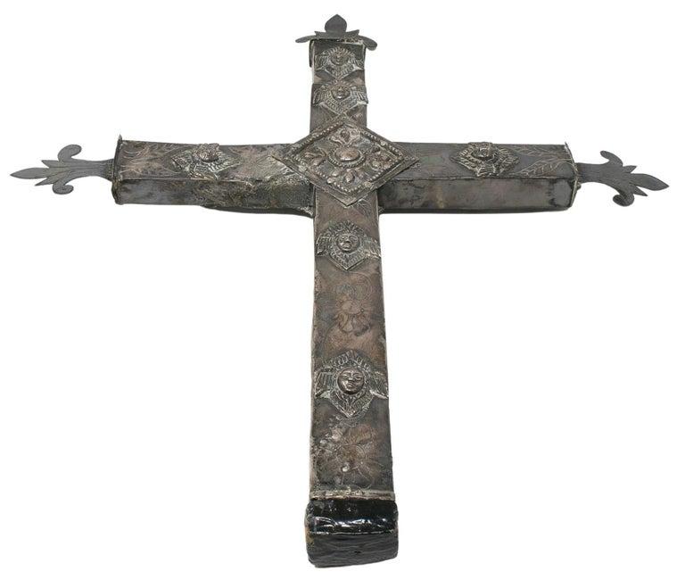 20th Century 18th Century Bolivian Silver Cross For Sale