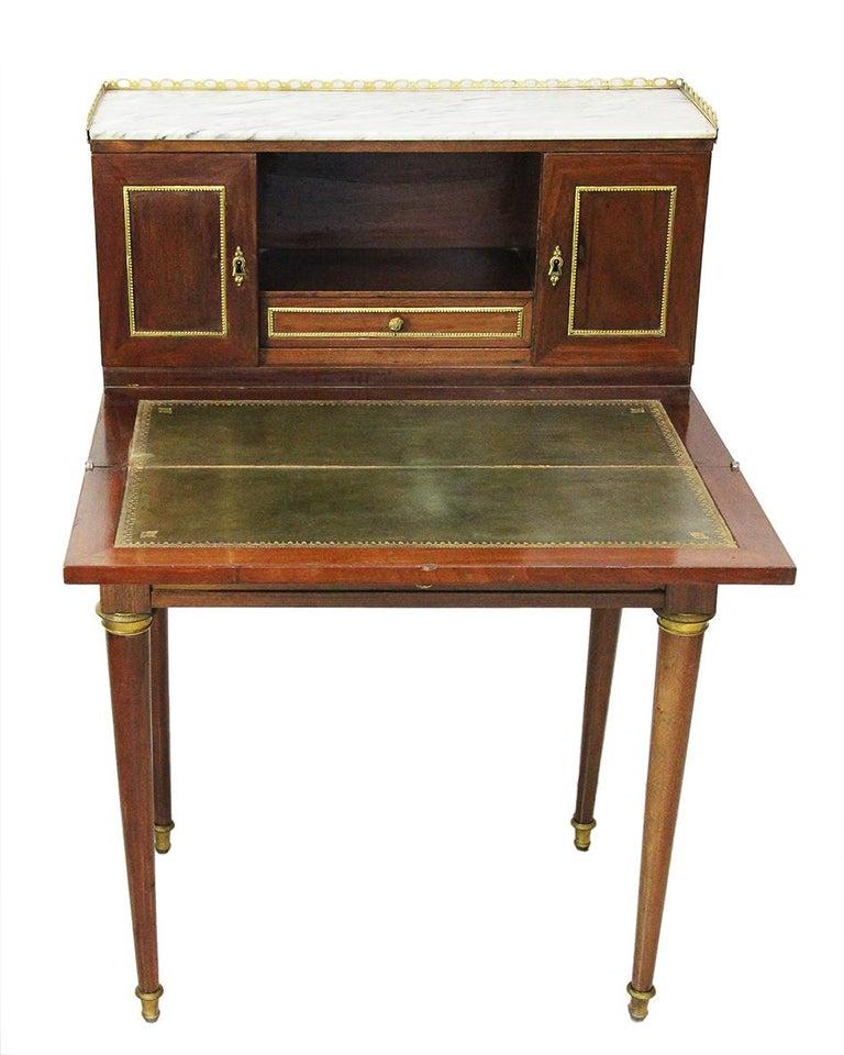 Louis XVI 18th Century Bonheur Du Jour Desk Stamped Cramer in Mahogany Veneer For Sale