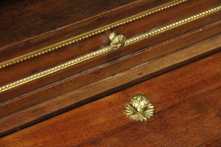 18th Century Bonheur Du Jour Desk Stamped Cramer in Mahogany Veneer For Sale 3