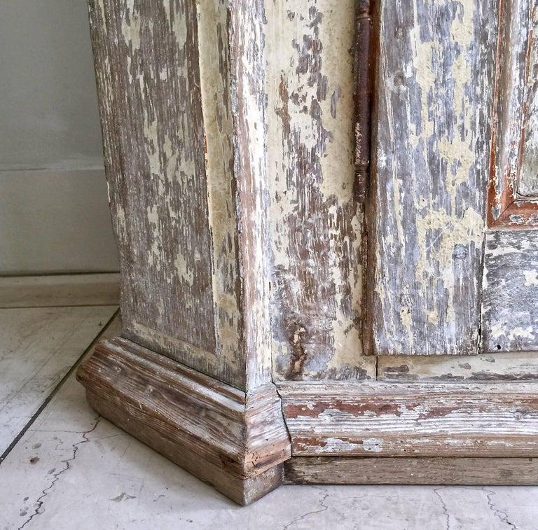 18th Century Bookcase/Vitrine Cabinet For Sale 3