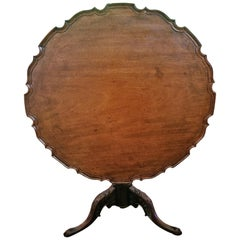 18th Century British Mahogany Pie Crust Tilt-Top Tea Table