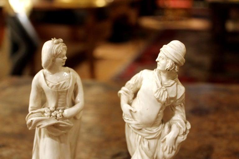 18th Century Capodimonte White Glaze Porcelain Statue Male and Female Figurines For Sale 2