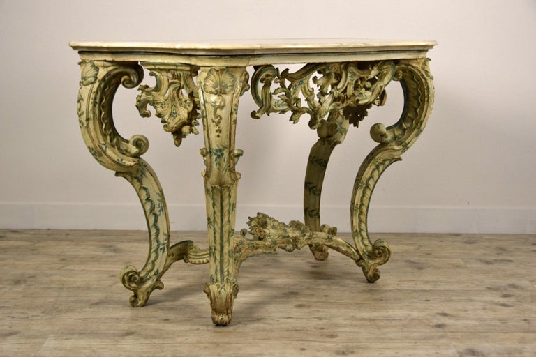 18th Century, Carved and Laquered Wood Italian Baroque Console In Good Condition For Sale In , IT