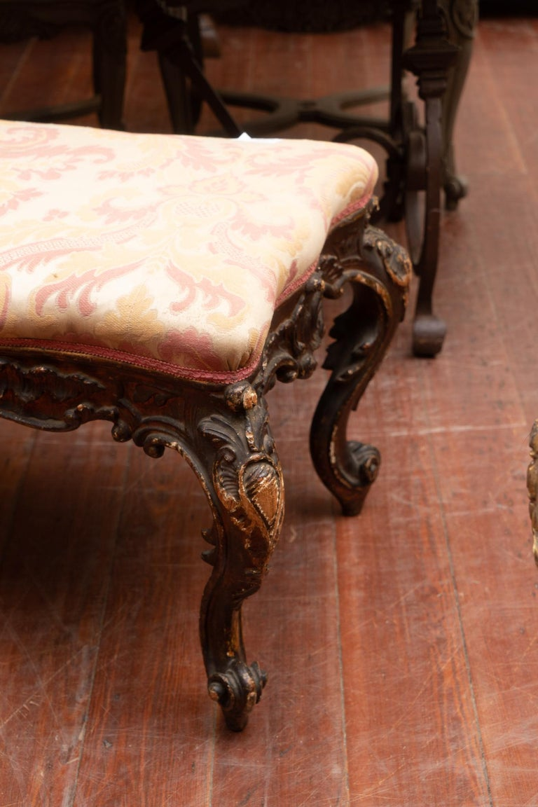Beautifully carved 18th century Italian bench Provenance-Rome Genoa Auction House.