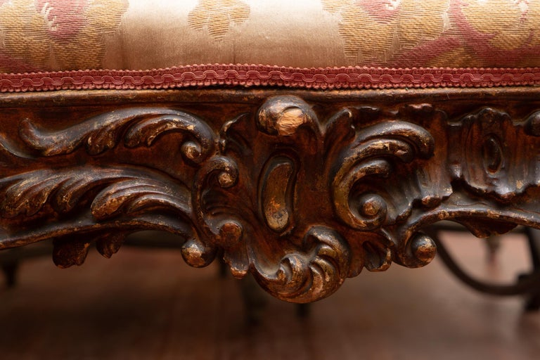 18th Century Carved Italian Bench In Good Condition For Sale In New Orleans, LA