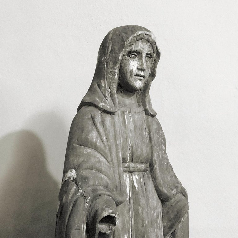 Romantic 18th Century Carved Wood Madonna Statue For Sale