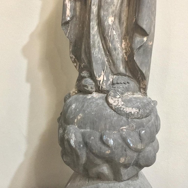 18th Century Carved Wood Madonna Statue For Sale 2