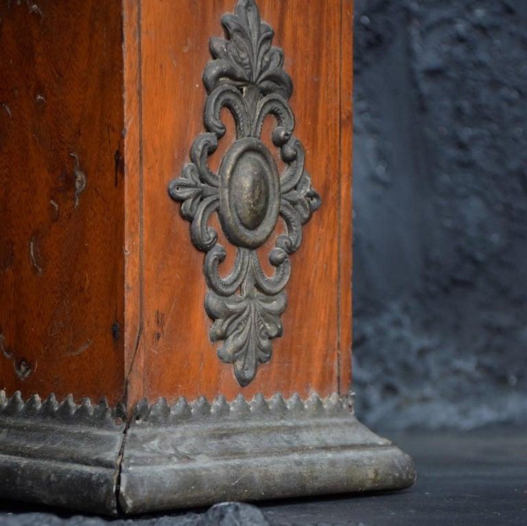 Italian 18th Century Carved Wood Santos Head For Sale