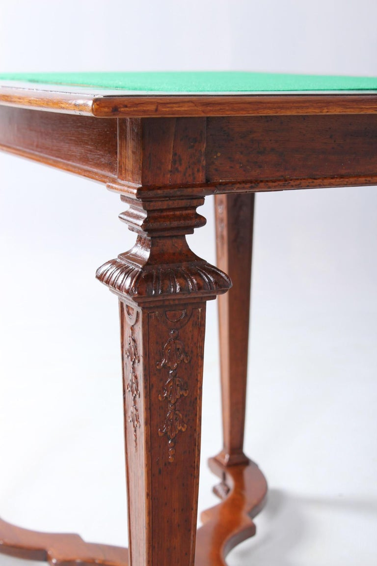 18th Century Chess and Backgammon Gametable, Walnut, Louis XVI circa 1780 For Sale 9