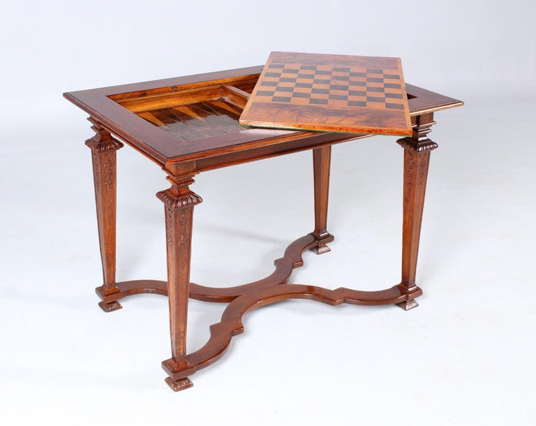 18th Century Chess and Backgammon Gametable, Walnut, Louis XVI circa 1780 For Sale 10