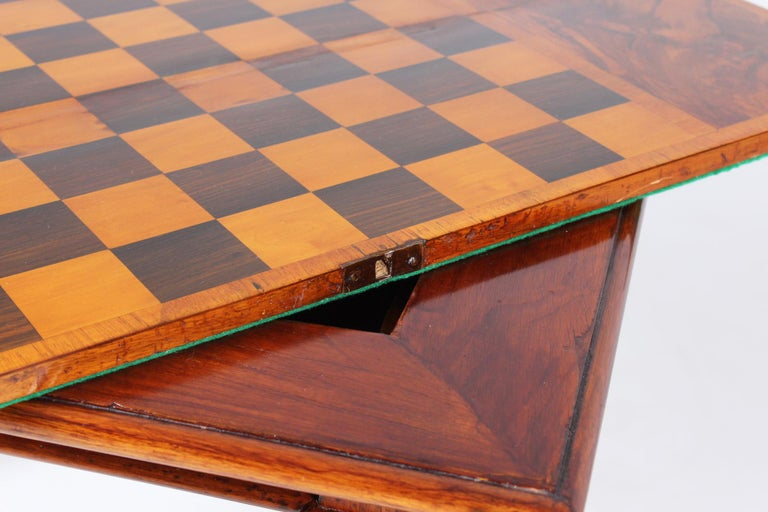 18th Century Chess and Backgammon Gametable, Walnut, Louis XVI circa 1780 For Sale 11