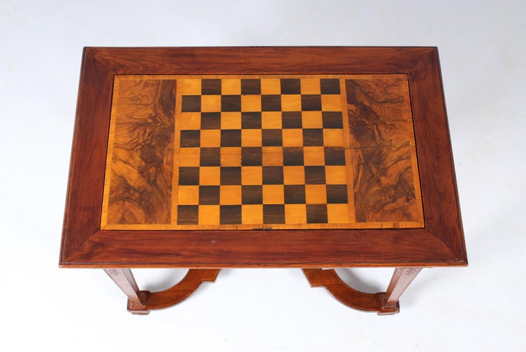 Marquetry 18th Century Chess and Backgammon Gametable, Walnut, Louis XVI circa 1780 For Sale