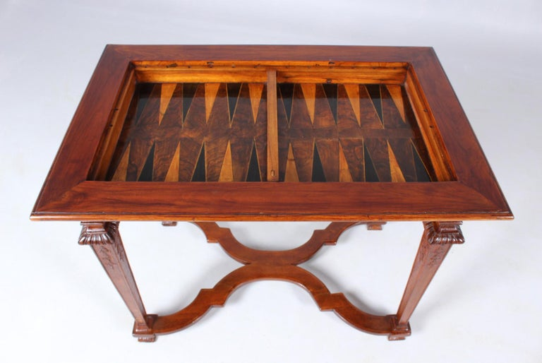 18th Century Chess and Backgammon Gametable, Walnut, Louis XVI circa 1780 For Sale 1