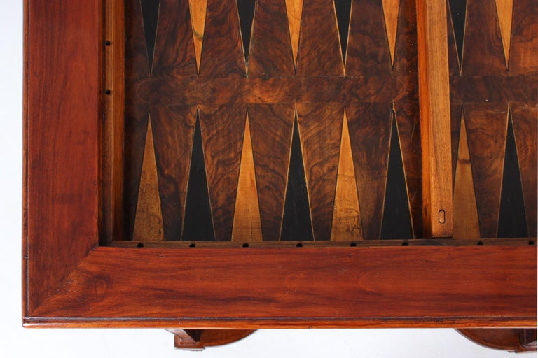 18th Century Chess and Backgammon Gametable, Walnut, Louis XVI circa 1780 For Sale 2