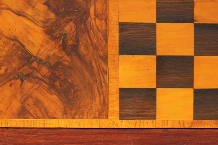 18th Century Chess and Backgammon Gametable, Walnut, Louis XVI circa 1780 For Sale 3
