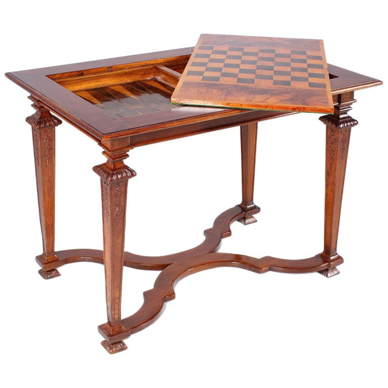 18th Century Chess and Backgammon Gametable, Walnut, Louis XVI circa 1780 For Sale