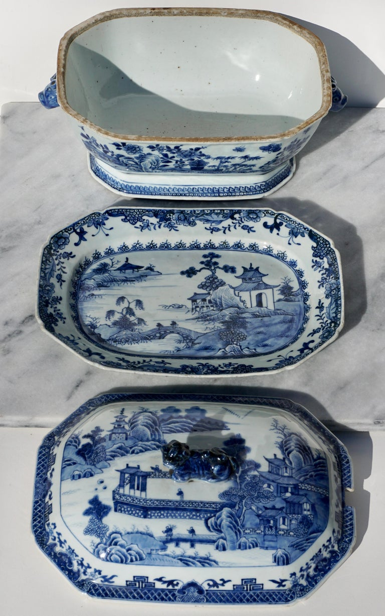 Chinese Export 18th Century Chinese Blue and White Chamfered Tureen, Cover and Stand For Sale