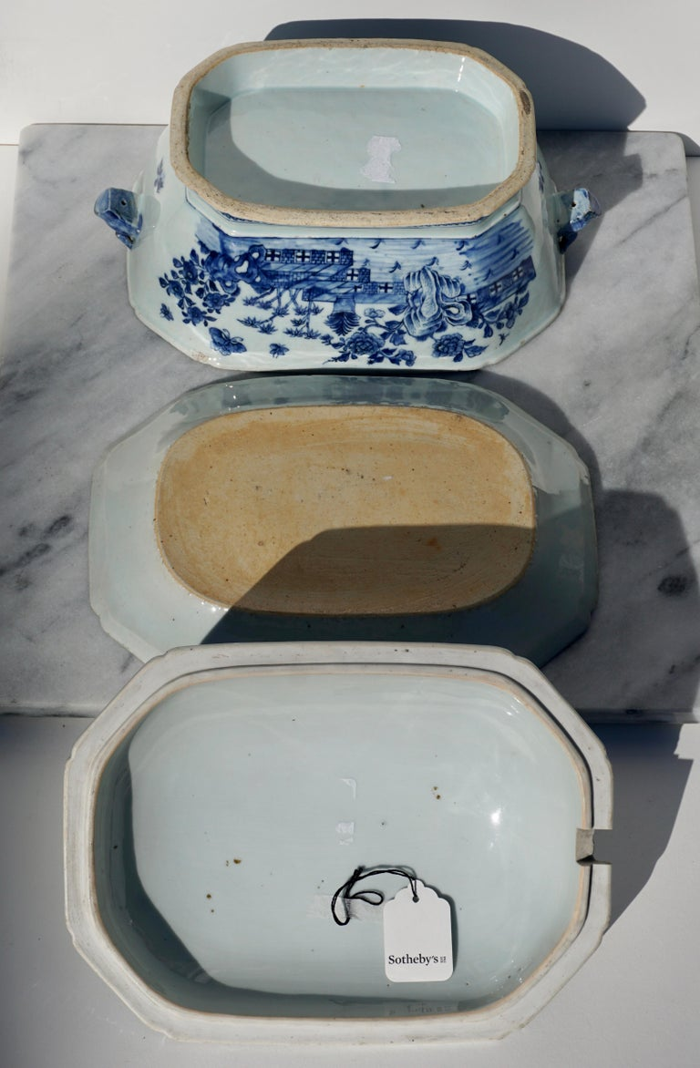 Hand-Crafted 18th Century Chinese Blue and White Chamfered Tureen, Cover and Stand For Sale