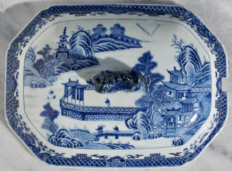 Early 19th Century 18th Century Chinese Blue and White Chamfered Tureen, Cover and Stand For Sale