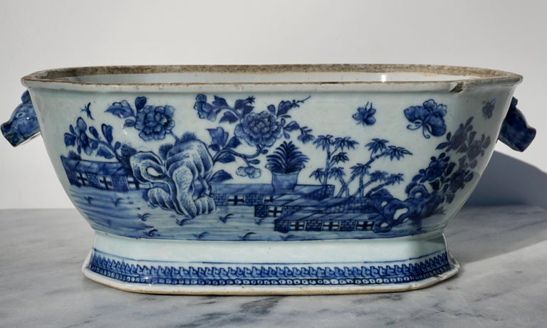 Porcelain 18th Century Chinese Blue and White Chamfered Tureen, Cover and Stand For Sale