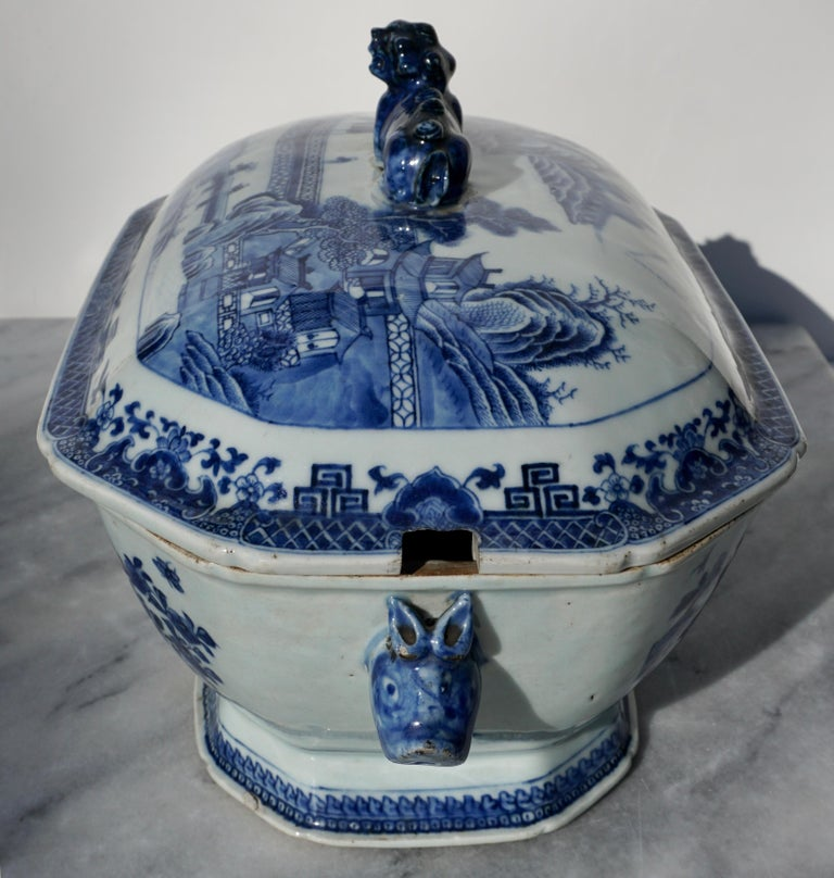 18th Century Chinese Blue and White Chamfered Tureen, Cover and Stand For Sale 1