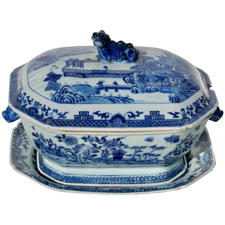 18th Century Chinese Blue and White Chamfered Tureen, Cover and Stand For Sale