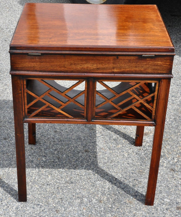 18th Century Chinese Chippendale Side Dressing Table In Good Condition For Sale In Essex, MA