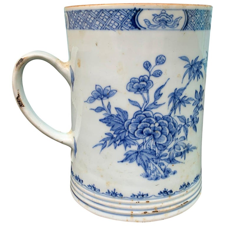 18th Century Chinese Export Blue and White Porcelain Mug For Sale