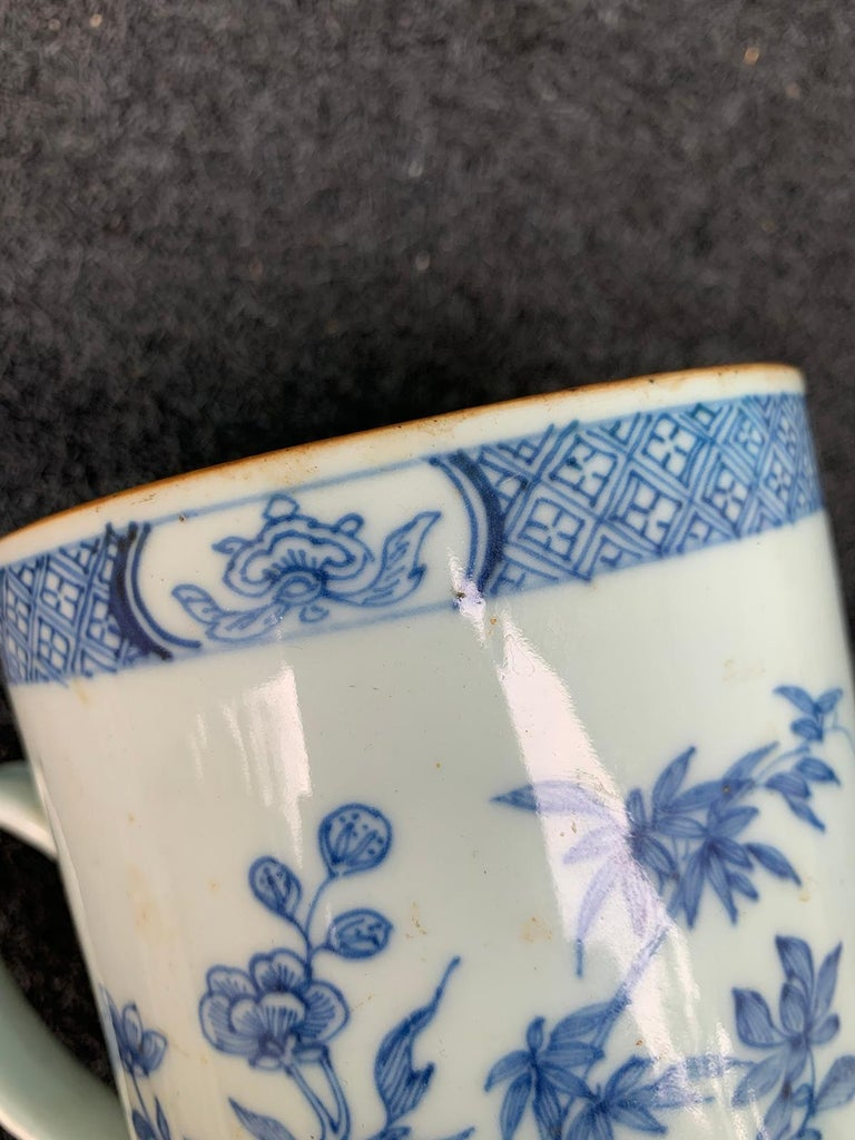 18th Century Chinese Export Blue and White Porcelain Mug For Sale 7
