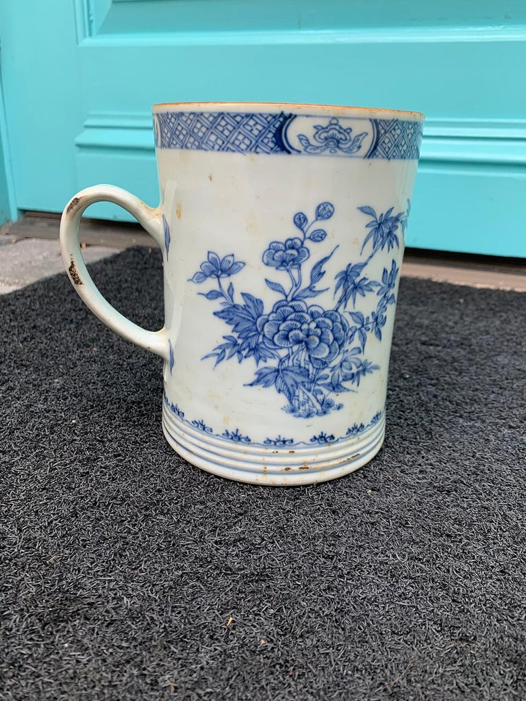 18th Century Chinese Export Blue and White Porcelain Mug In Good Condition For Sale In Atlanta, GA