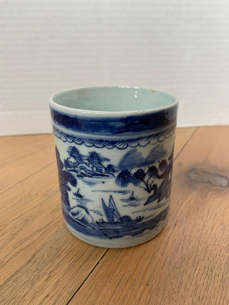 18th Century Chinese Export Canton Ware Blue and White Porcelain Mug, Unmarked For Sale 2