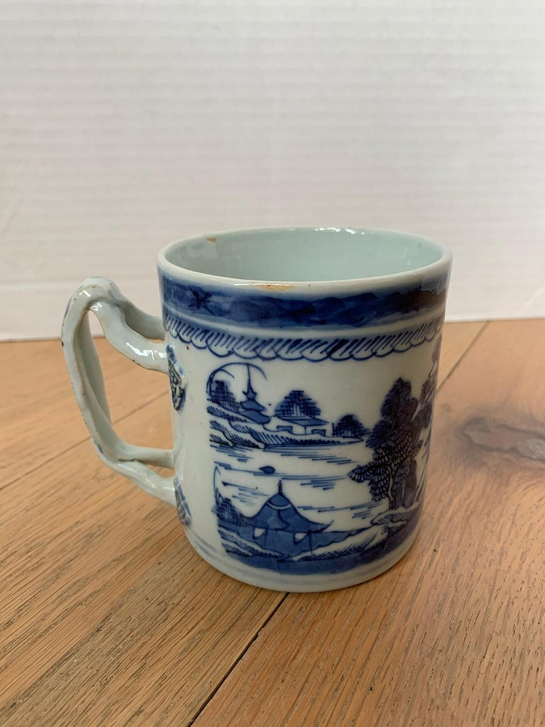 18th Century Chinese Export Canton Ware Blue and White Porcelain Mug, Unmarked For Sale 3