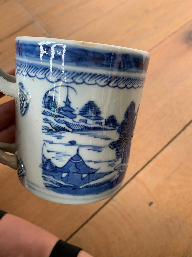 18th Century Chinese Export Canton Ware Blue and White Porcelain Mug, Unmarked For Sale 5