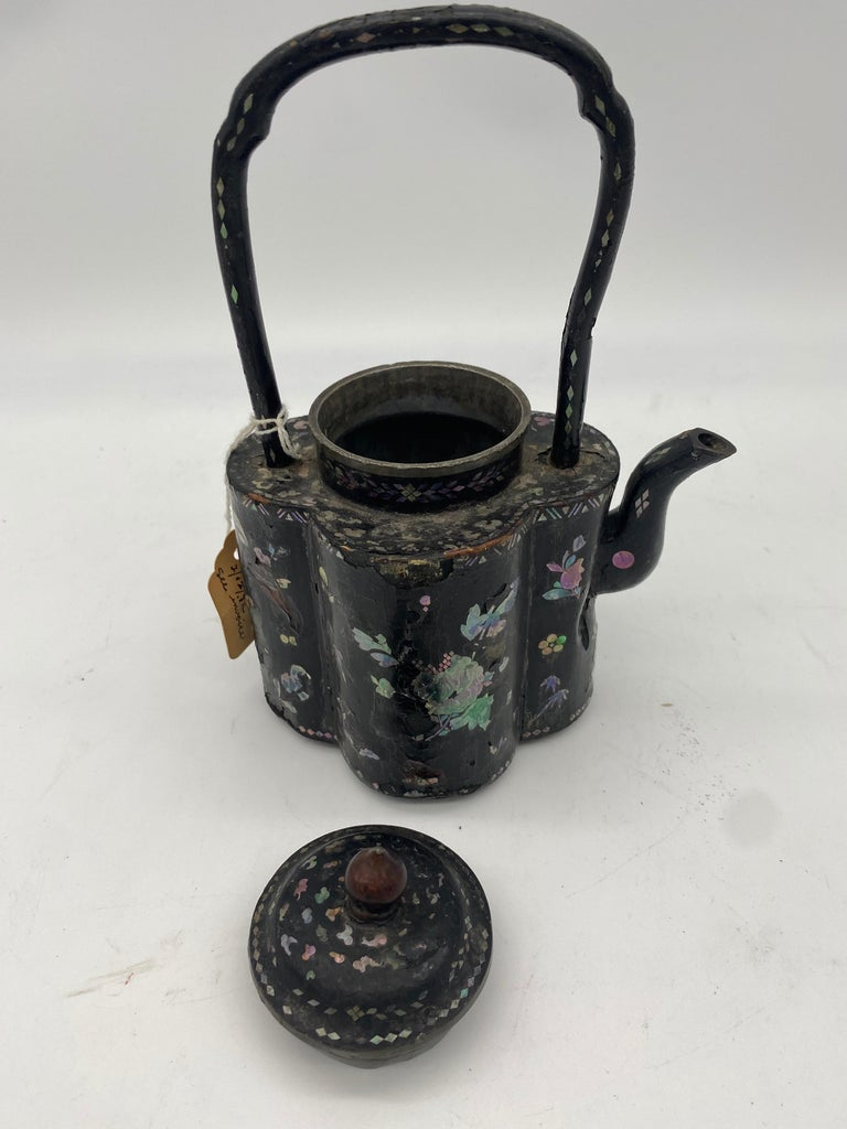 18th Century Chinese Lacquer Mother of Pearl Inlay Pewter Teapot For Sale 2