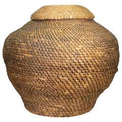 18th Century Colonial Williamsburg Lidded rye Straw Basket