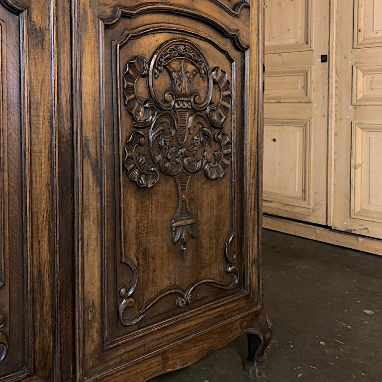 18th Century Country French Louis XV Armoire For Sale 6
