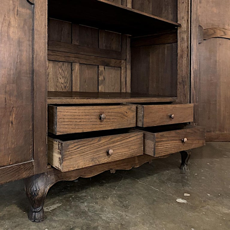 18th Century Country French Louis XV Armoire For Sale 10