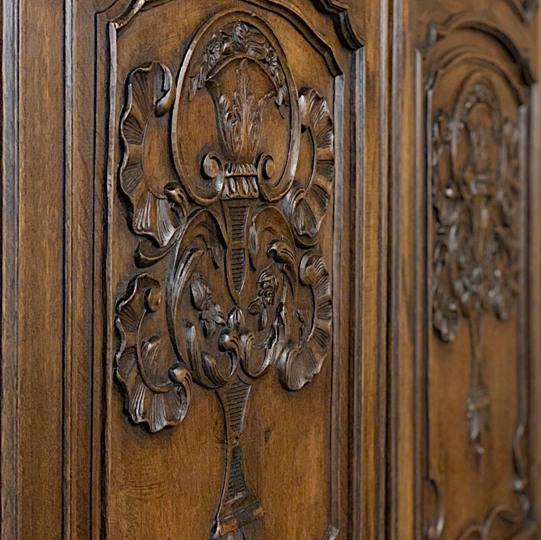 18th Century Country French Louis XV Armoire For Sale 2