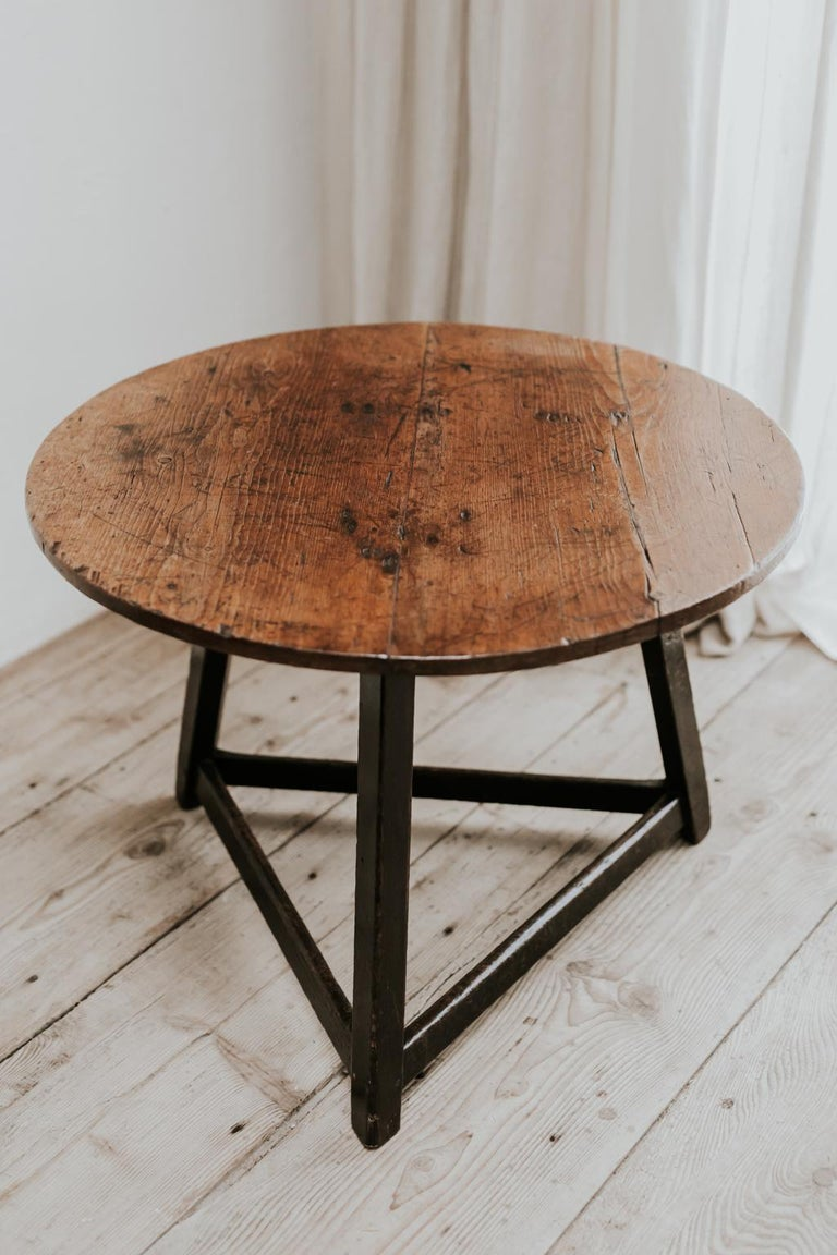 18th Century Cricket Table Beautiful Oakwood Top For Sale 1