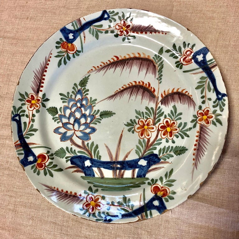 18th Century Delft Polychrome Charger For Sale 3