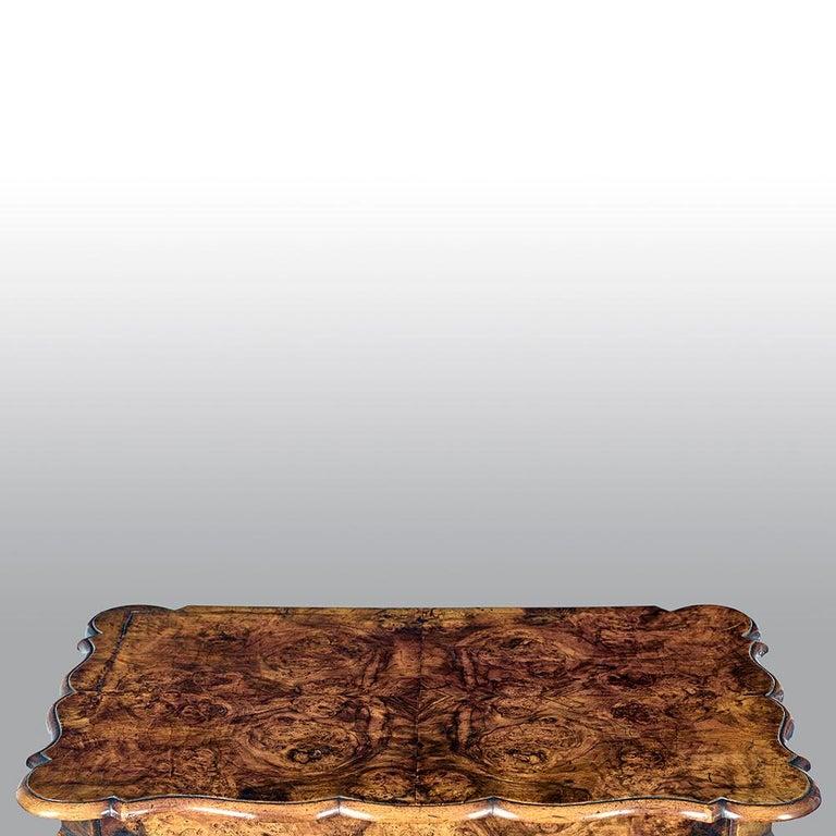 18th Century Dutch Burr Walnut Commode For Sale 4