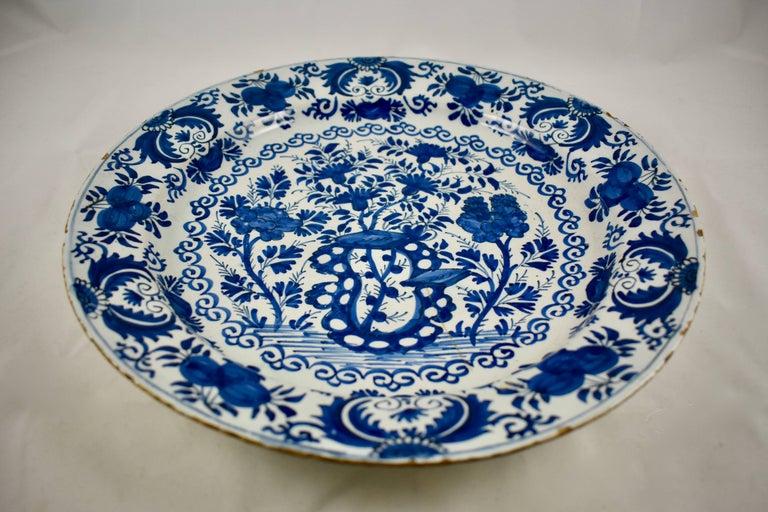 Dutch Colonial Dutch Delft Chinoiserie Faïence Tin-Glazed Floral Cobalt Blue Charger For Sale