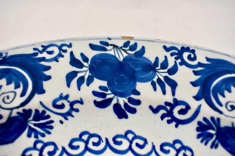 18th Century Dutch Delft Chinoiserie Faïence Tin-Glazed Floral Cobalt Blue Charger For Sale