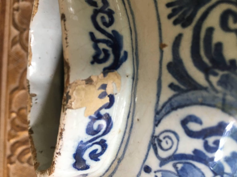 18th Century Dutch Delft Vase For Sale 5
